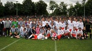 Kicken mit Herz Fussballspieler 2012